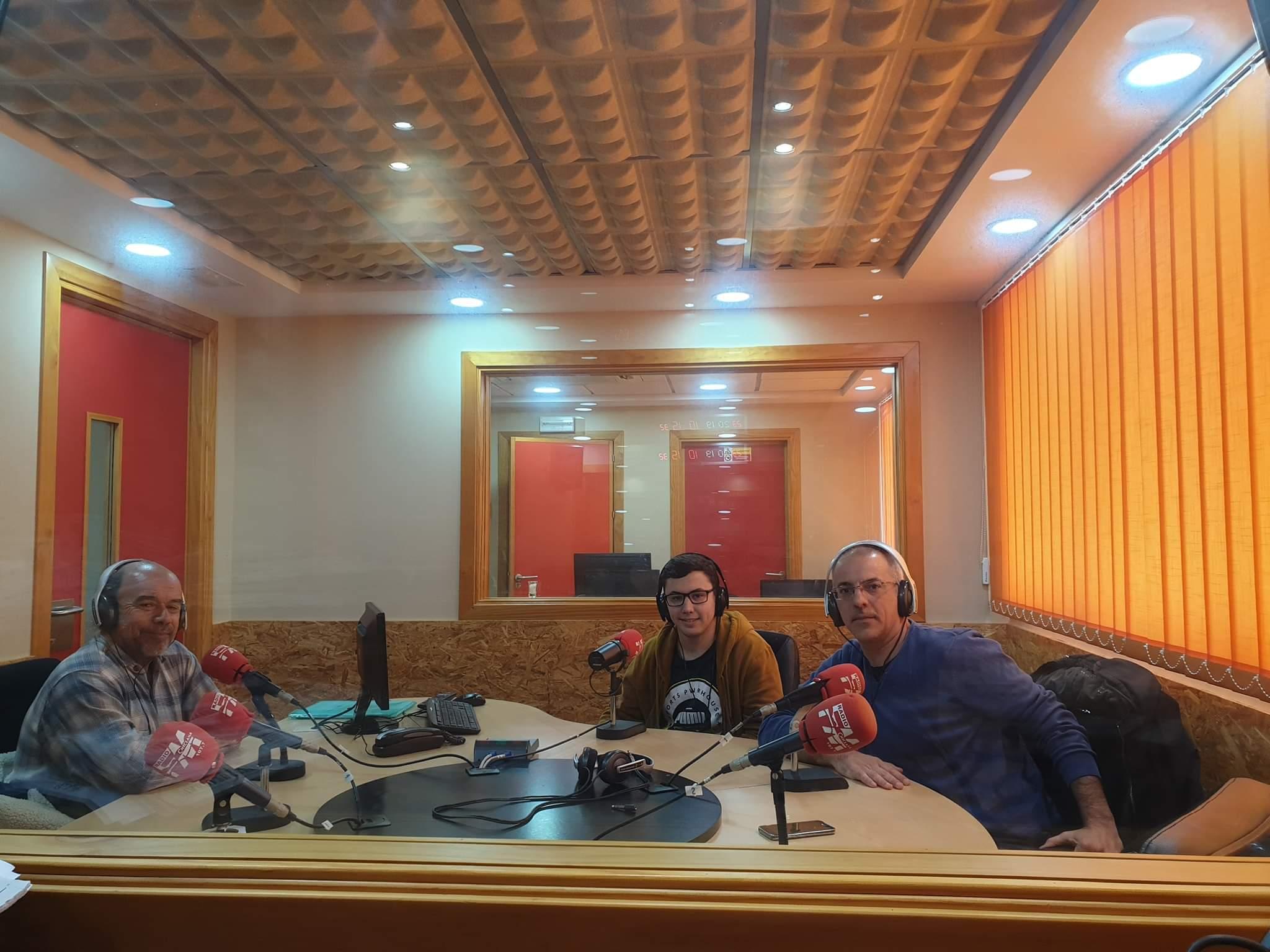 Imagen de la noticia: Entrevista a Fernando Carreño en la radio.