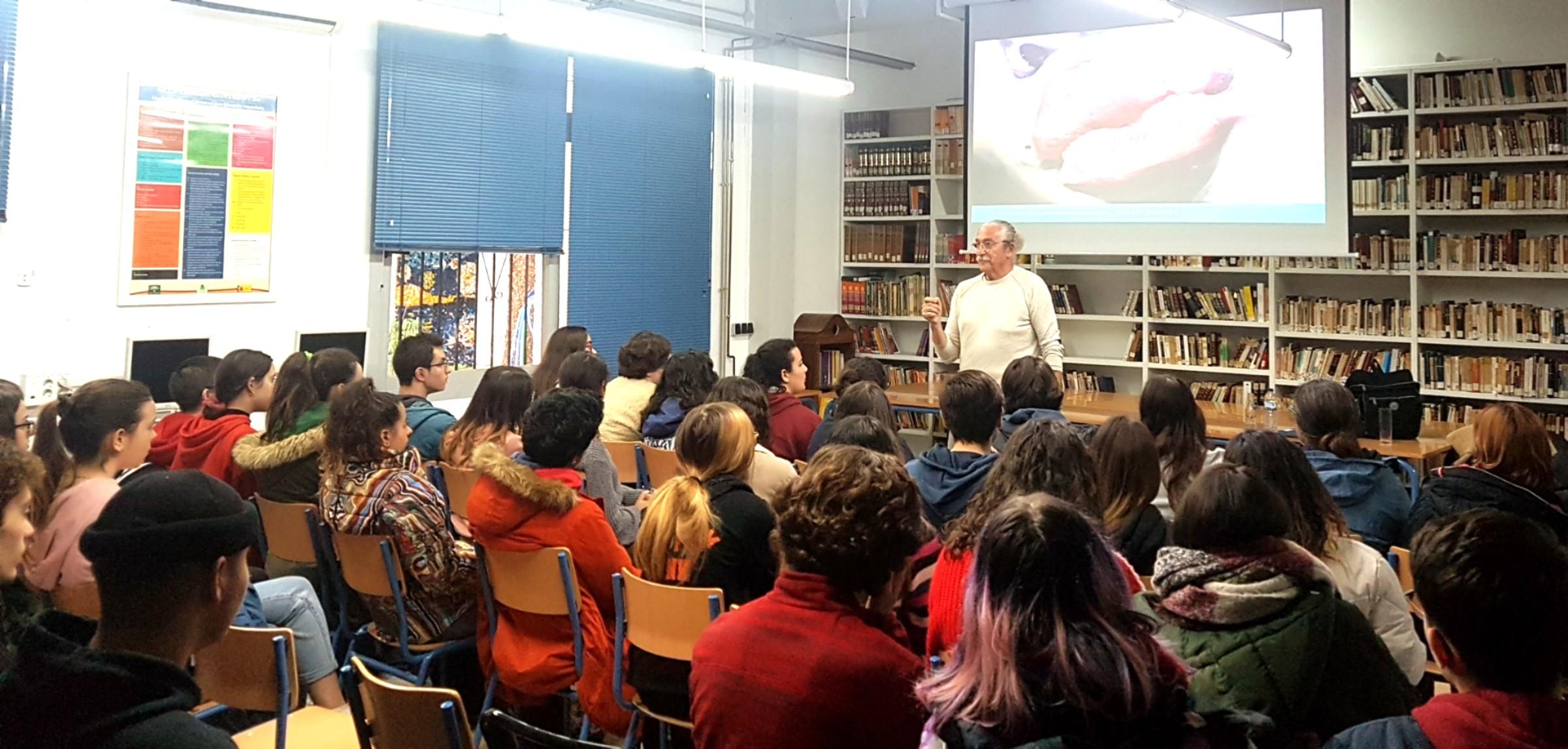Imagen de la noticia: El artista Antoni Gabarre imparte una charla sobre creatividad y muralismo [Actualizado]